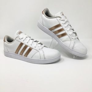 Adidas Women gold/white shoes size.6